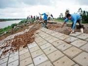 Le vice-PM Hoang Trung Hai demande aux localités de renforcer les digues fluviales