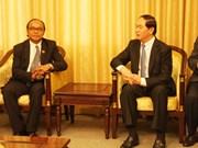 Le ministre de la Sécurité publique reçoit un hôte cambodgien