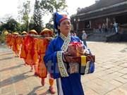 "Thua Thien-Hue reconstitue le rite d'installation d'un ""cây nêu"" à Dai Noi"