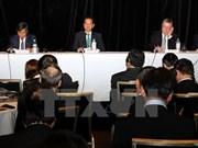 Le Premier ministre Nguyen Tan Dung dialogue avec de premières entreprises australiennes