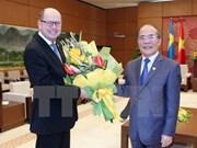 Le président du Parlement suédois termine sa visite au Vietnam