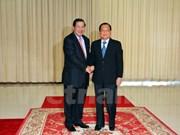 Le PM cambodgien reçoit le secrétaire du Comité du Parti de HCM-Ville