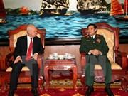 Le ministre de la Défense reçoit le nouvel ambassadeur de Russie