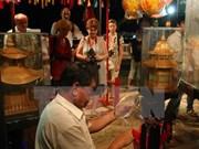 """Artisanat: À Huê, les """"mains d'or"""" sur le devant de la scène"""