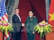 La visite au Vietnam du Secrétaire américain à la défense profite aux relations bilatérales