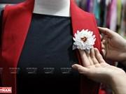 Originalité des broches fleurs fabriquées à la main