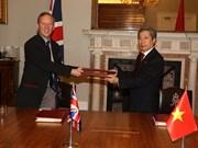 Signature de l'accord de libre-échange entre le Royaume-Uni et le Vietnam