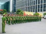 COVID-19 : des policiers et soldats arrivent en renfort à Ho Chi Minh-Ville