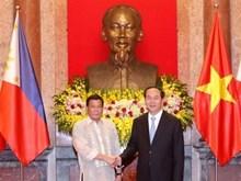 Le président philippin en visite officielle au Vietnam