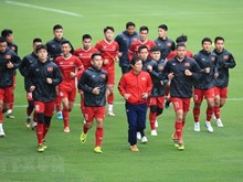 L'équipe de football du Vietnam s'entraîne avant le match retour au Stade My Dinh