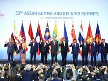 Le Premier ministre Nguyen Xuan Phuc à la cérémonie d'ouverture du 33e Sommet de l'ASEAN
