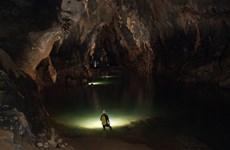 Quang Binh ouvre un circuit touristique dans la caverne de Tien