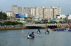 En barque au fil du canal Nhiêu Lôc - Thi Nghè