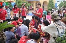 Fête de la mi-automne : plus d'un milliard de dongs pour les enfants pauvres