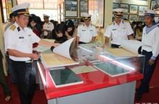 Des documents sur la souveraineté maritime du Vietnam exposés à Hoa Binh