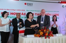 Coopération efficace entre Big C, le RMIT et l'AIT-VN