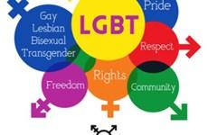 Réduire la discrimination vis-à-vis des gays et des personnes transgenres