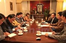 Da Nang promeut le développement du tourisme avec les entreprises britanniques