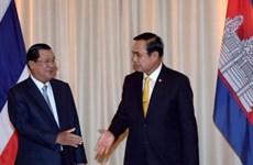Les PM cambodgien et thaïlandais s'entretiennent
