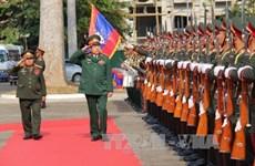 Défense : le Vietnam et le Laos signent un nouvel accord de coopération pour 2016