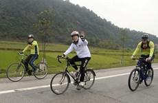 Un périple à vélo de Hanoi à Hue de l'ambassadeur américain