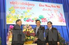 Des responsables cambodgiens formulent leurs vœux du Têt à Long An