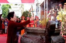 La vice-présidente Nguyên Thi Doan à la fête du temple des deux sœurs Trung