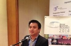 Un Vietnamien au symposium KINSES 2016 sur l'éducation
