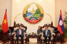 Coopération efficace entre les ministres vietnamien et laotien du Plan et de l'Investissement