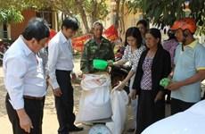 Distribution de riz pour les ethnies minoritaires à Dak Lak
