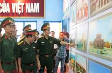 """Exposition """"Culture, tourisme, mer et îles"""" à Thua Thien-Hue"""