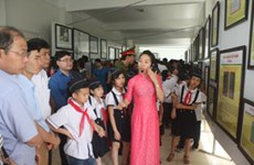 Exposition sur Hoàng Sa et Truong Sa à Hoà Binh