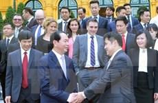 Le chef de l'État vietnamien reçoit une délégation d'entreprises internationales
