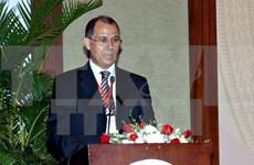 L'Insigne pour la paix et l'amitié entre les nations à l'ambassadeur marocain