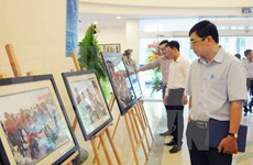 Exposition : Truong Sa vu par des reporters de la VNA