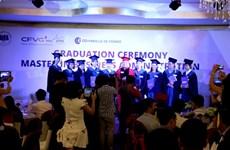 Le CFVG remet les diplômes de master en administration des affaires