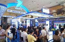 Ouverture d'une exposition internationale sur les TIC à Hanoi