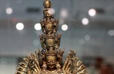 A la découverte du monde à travers une exposition d'antiquités