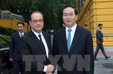 Cérémonie d'accueil du président français François Hollande