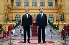 La visite de François Hollande au Vietnam largement couverte par la presse française