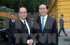 Le président français termine avec succès sa visite d'Etat au Vietnam