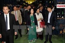 Mme Truong Thi Mai rencontre la diaspora vietnamienne en Russie