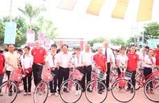 Plus de 2.600 bicyclettes offertes à des enfants démunis