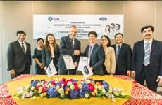 Signature d'un accord de coopération stratégique entre Vinamilk et le groupe suisse DSM