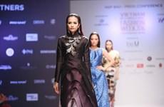 Plus de 20 défilés à la Semaine de la mode internationale du Vietnam automne-hiver 2016