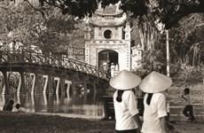 Publication d'un livre de photos sur Hanoï d'un ancien diplomate britannique