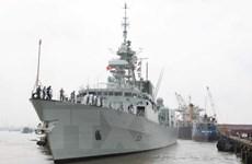 Un navire de la Marine royale canadienne en visite à Ho Chi Minh-Ville