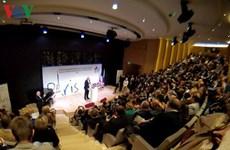 Le Vietnam au congrès annuel de l'Association mondiale de la presse russe à Paris