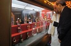 Inauguration d'un espace des poupées vietnamiennes dans un musée indien