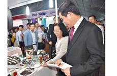 Dix documents signés entre les entreprises Vietnam-R. de Corée